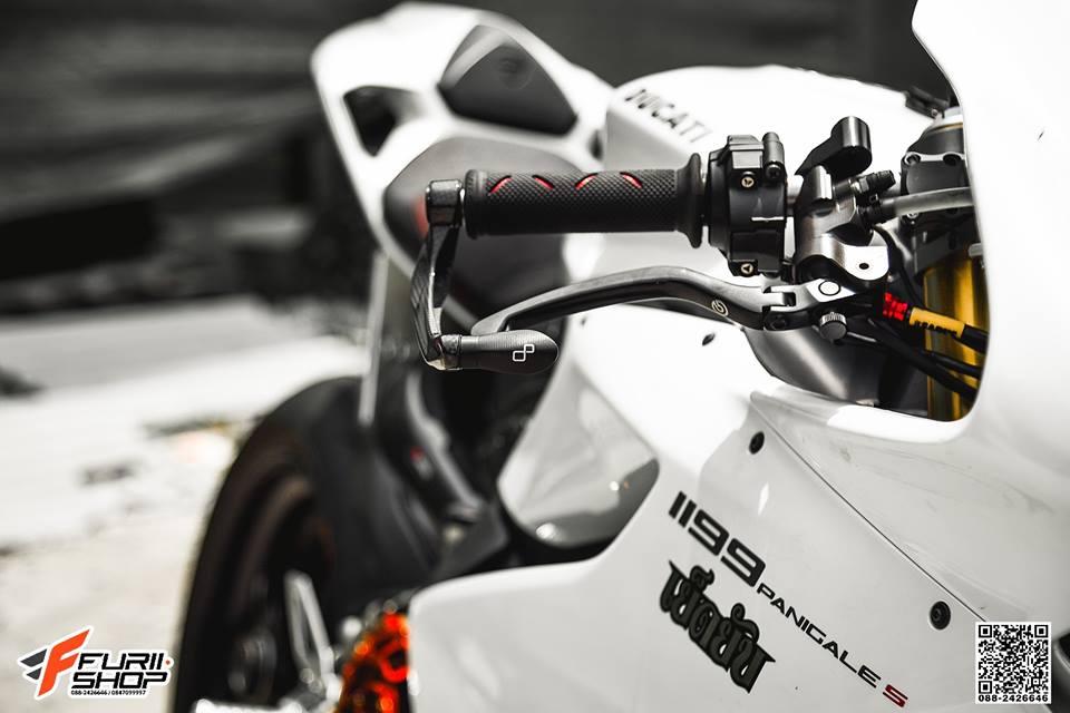 Ducati 1199 Panigale do sexy ben bo canh trang tinh khoi - 3
