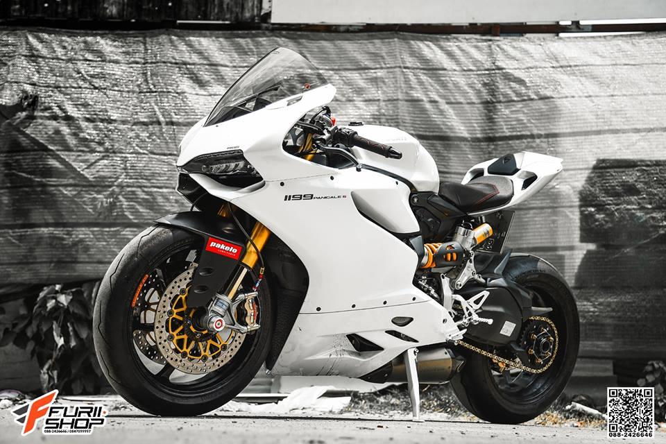 Ducati 1199 Panigale do sexy ben bo canh trang tinh khoi - 5