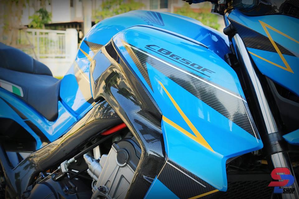 Honda CB650F tao dang cuc oach ben nguoi anh em CBR650F - 5