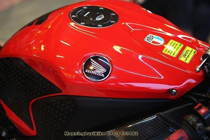 Honda CBR1000RR chan dung cuc chat do option Carbon fiber - 9