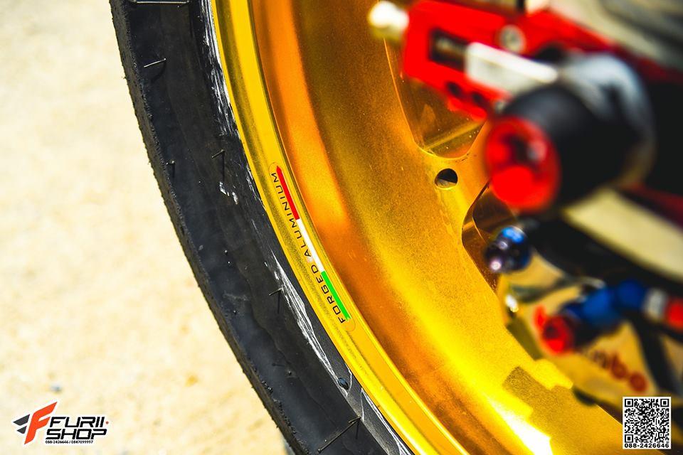 Honda CBR1000RR Choi loa ben dan chan do hieu - 7