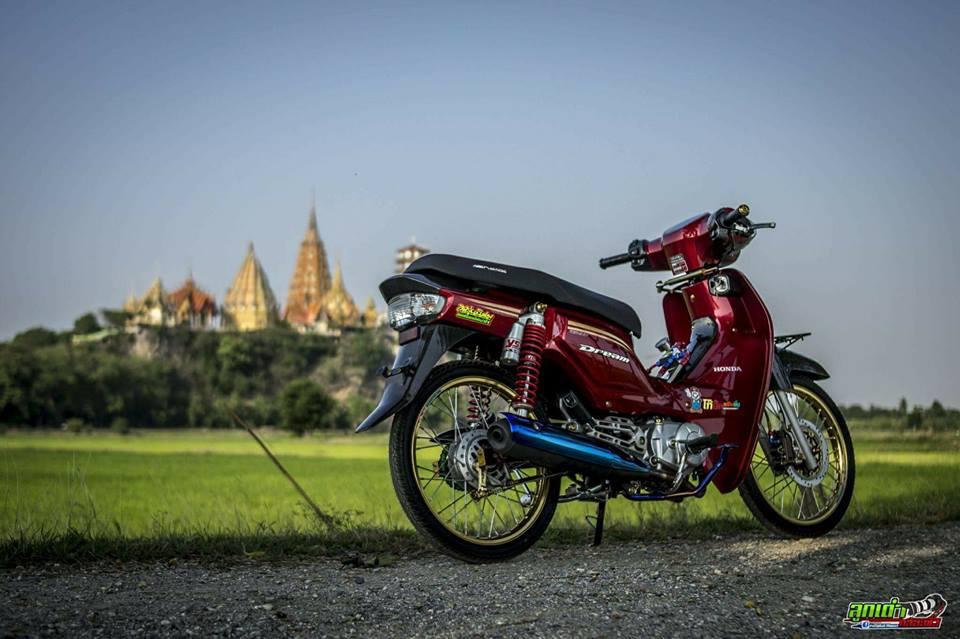 Honda Cub Fi do mang ve dep tim an den tu biker xu chua vang