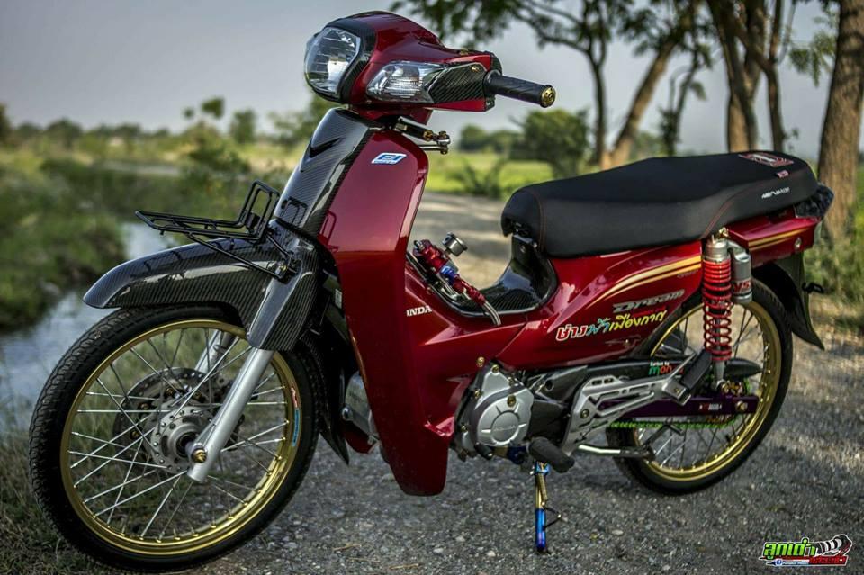 Honda Cub Fi do mang ve dep tim an den tu biker xu chua vang - 6
