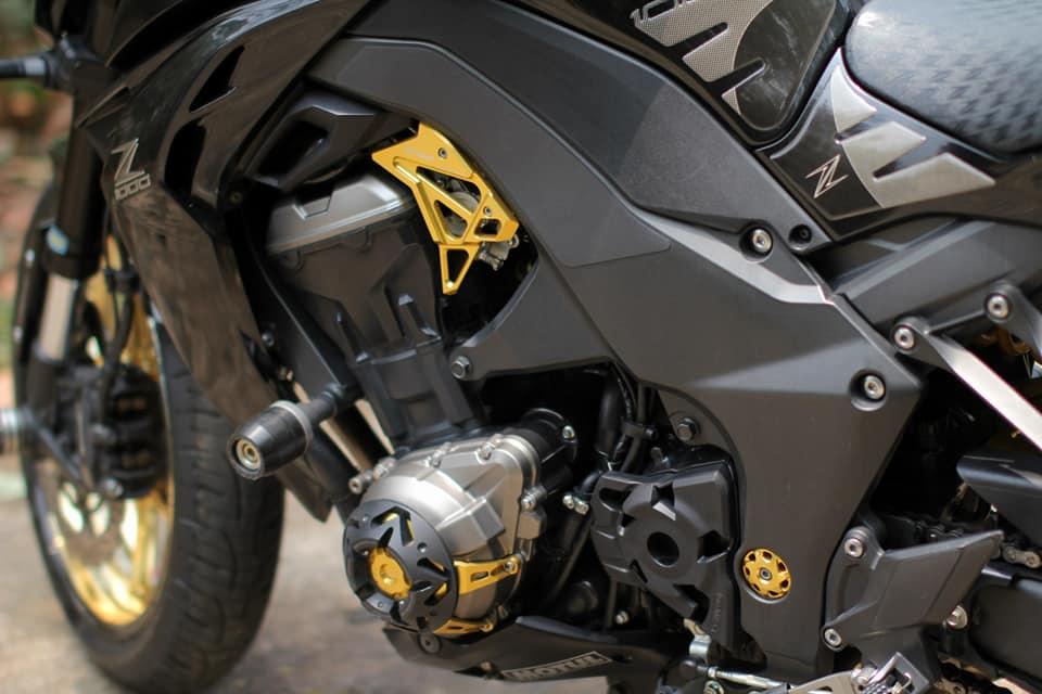 Kawasaki Z1000 do chi tiet voi dan do choi nong bong cua Biker Viet - 7