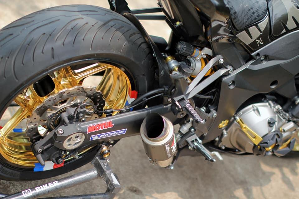 Kawasaki Z1000 do chi tiet voi dan do choi nong bong cua Biker Viet - 10