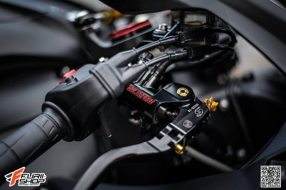 Kawasaki ZX10RR Chien than toc do nang cap hoan hao qua hinh phong full black - 3