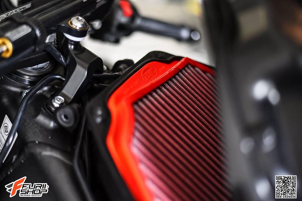 Kawasaki ZX10RR Chien than toc do nang cap hoan hao qua hinh phong full black - 5