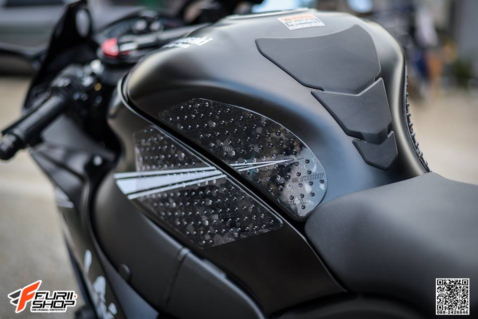Kawasaki ZX10RR Chien than toc do nang cap hoan hao qua hinh phong full black - 7