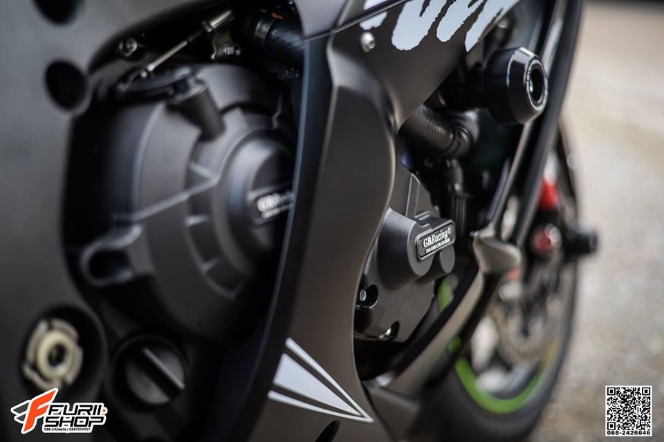 Kawasaki ZX10RR Chien than toc do nang cap hoan hao qua hinh phong full black - 11