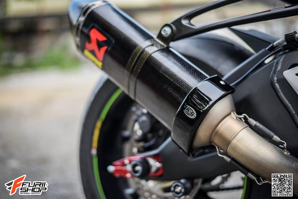 Kawasaki ZX10RR Chien than toc do nang cap hoan hao qua hinh phong full black - 13