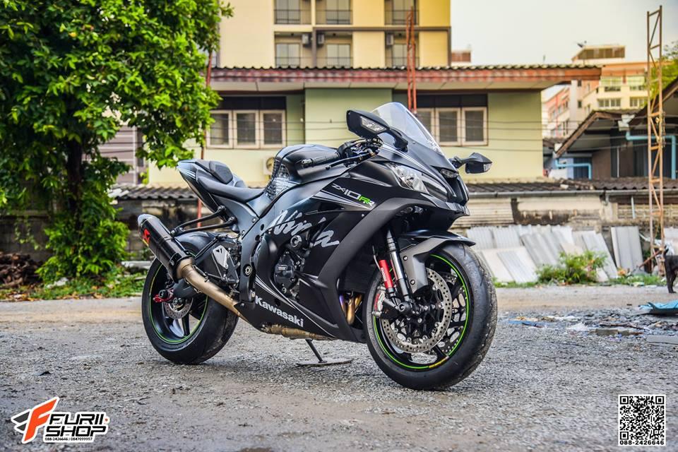 Kawasaki ZX10RR Chien than toc do nang cap hoan hao qua hinh phong full black - 17