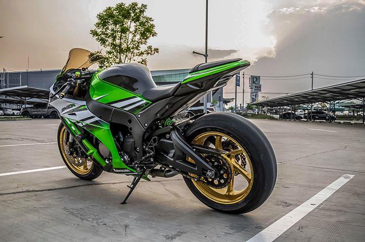 Kawasaki ZX10R sieu mo to do ca tinh ben dan chan hang hieu - 14