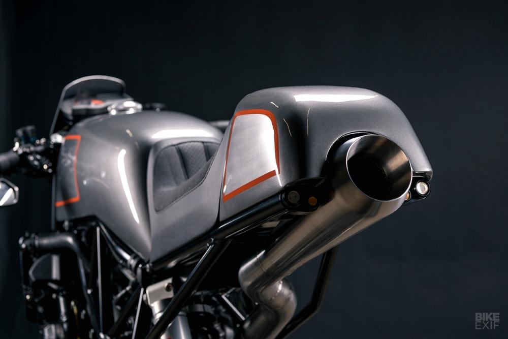 KTM Super Duke 990 do Cafe Racer kich doc - 7