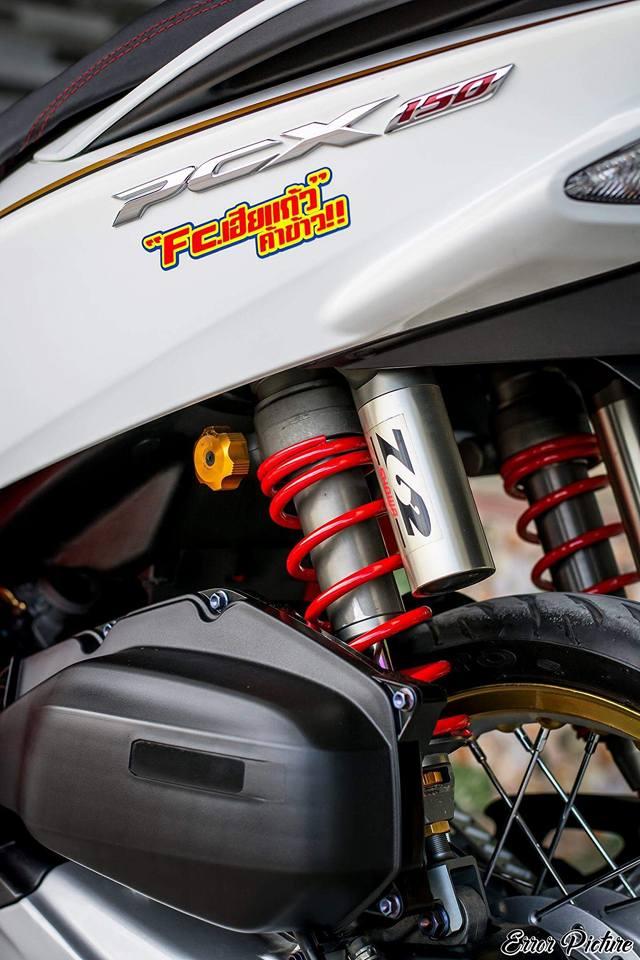 PCX 150 do mang ve dep tinh te day dang cap cua biker Thai - 10
