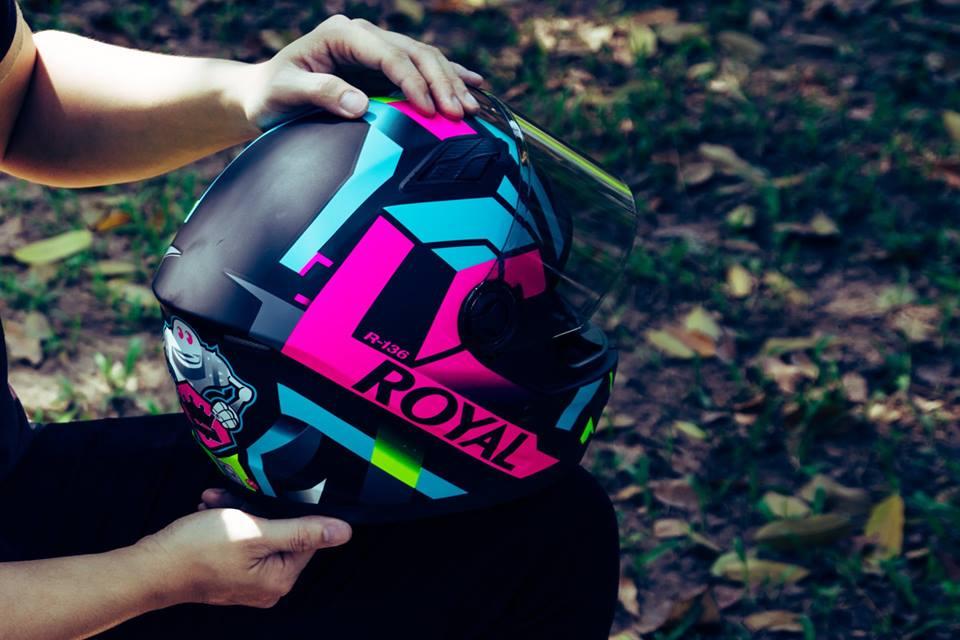 Royal Helmet Ha Noi Wow Wow RoyalM136 da dep nay con chat hon voi tem V20 moi nek ca nha oi