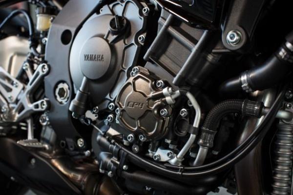So sanh Honda CB1000R vs Yamaha MT10 - 6