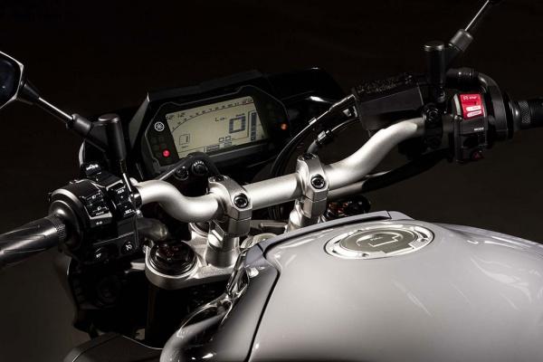 So sanh Honda CB1000R vs Yamaha MT10 - 8