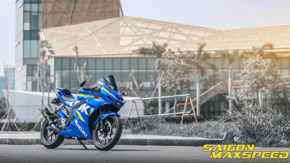 Suzuki GSX R150 do gay an tuong nguoi xem voi option do choi dang cap - 15