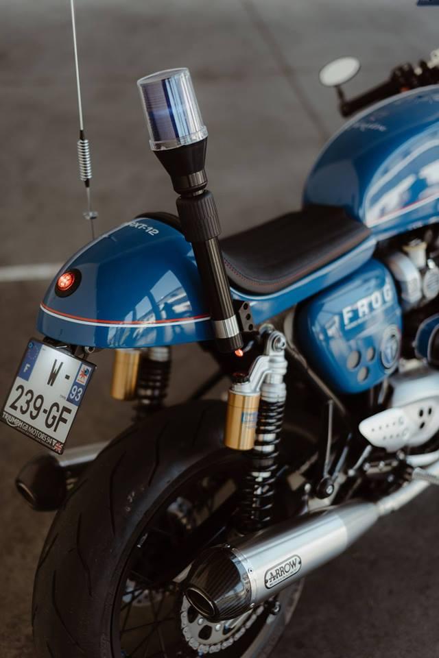 Triumph Thruxton R su tro lai cua huyen thoai Cafe Racer mang phong cach Hoang Gia - 6