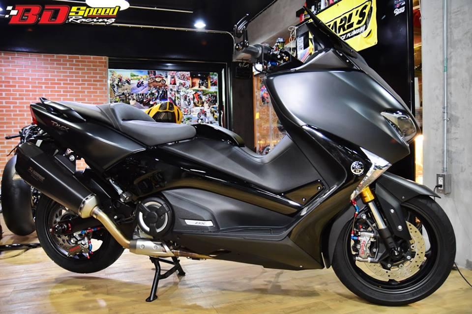 Yamaha TMAX 530 tao hinh an tuong voi trang bi full option
