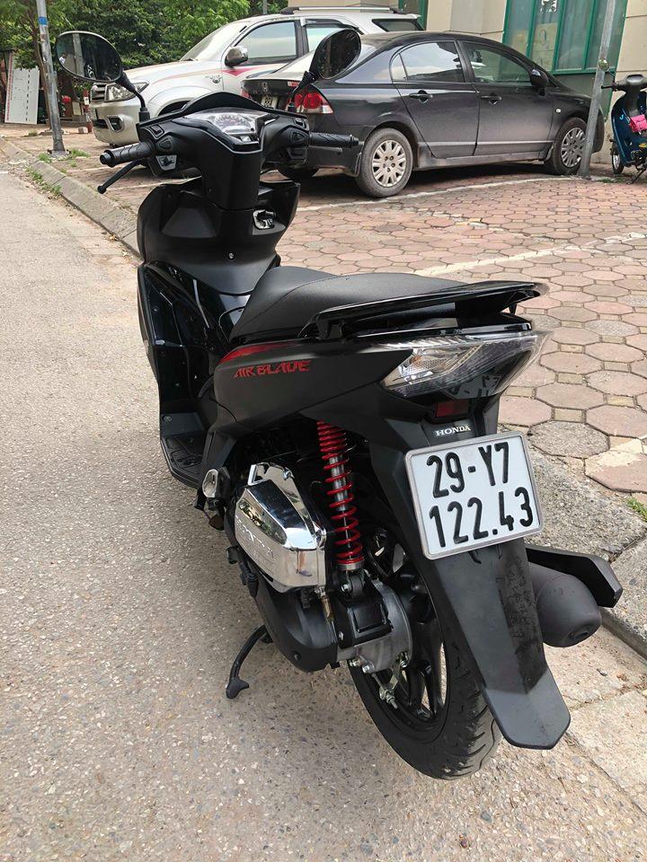 Air blade 125 Black den san 29Y7 12243 khoa bam cao cap 365 trieu cho nguoi can dung - 2
