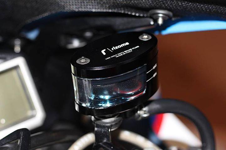 BMW S1000RR make up hoan thien voi option chi tiet - 9