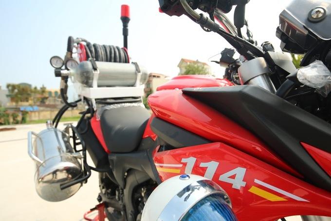 Chi tiet moto dac chung cua canh sat chua chay Viet Nam - 6