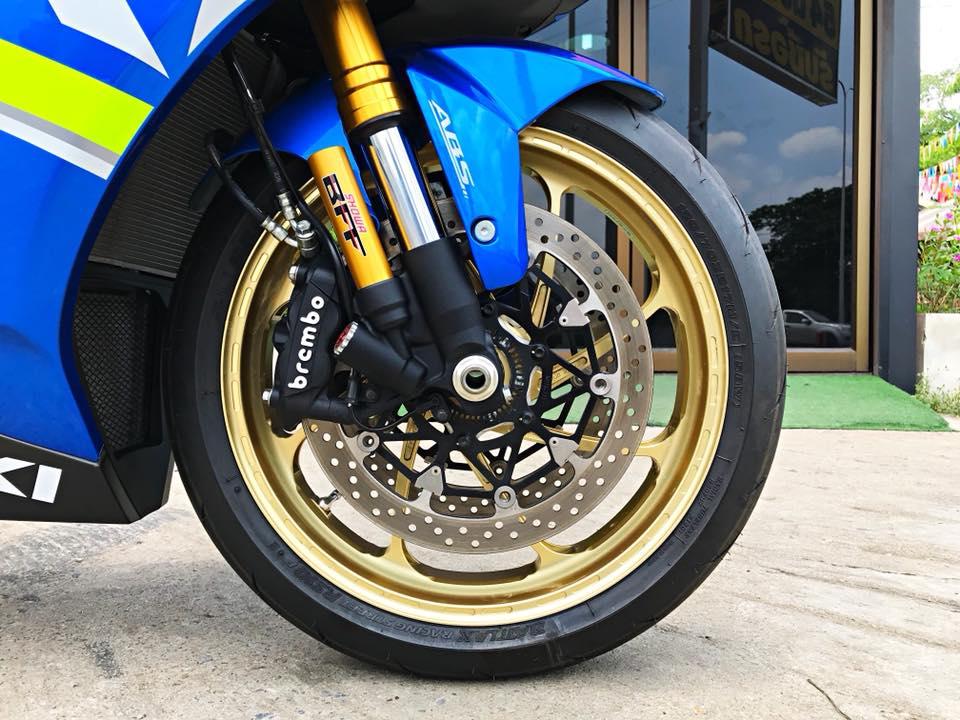 Chiem nguong dung nhan bong bay tu Superbike Suzuki GSXR1000 - 9