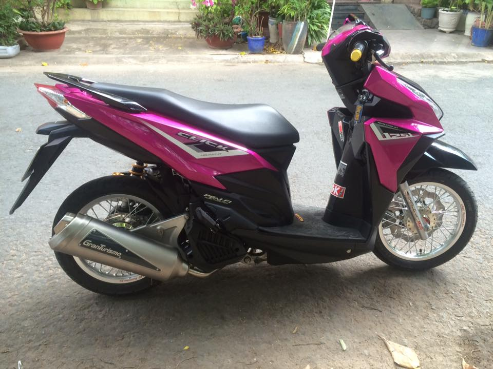 Click 125 do dan ao hong nam tinh va banh cam day pha cach - 5