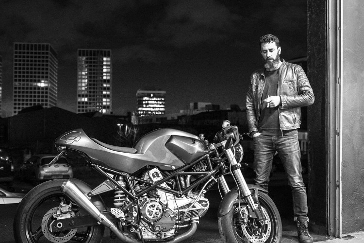 Ducati Monster 900ie Cafe Racer dam chat choi tu tay do Maarten Timmer - 6