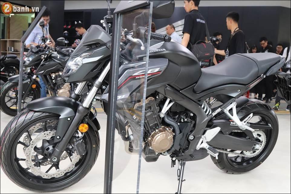 Honda CB650F 2018 co gia 2259 trieu VND ra mat tai Showroom Honda Moto Viet Nam - 2