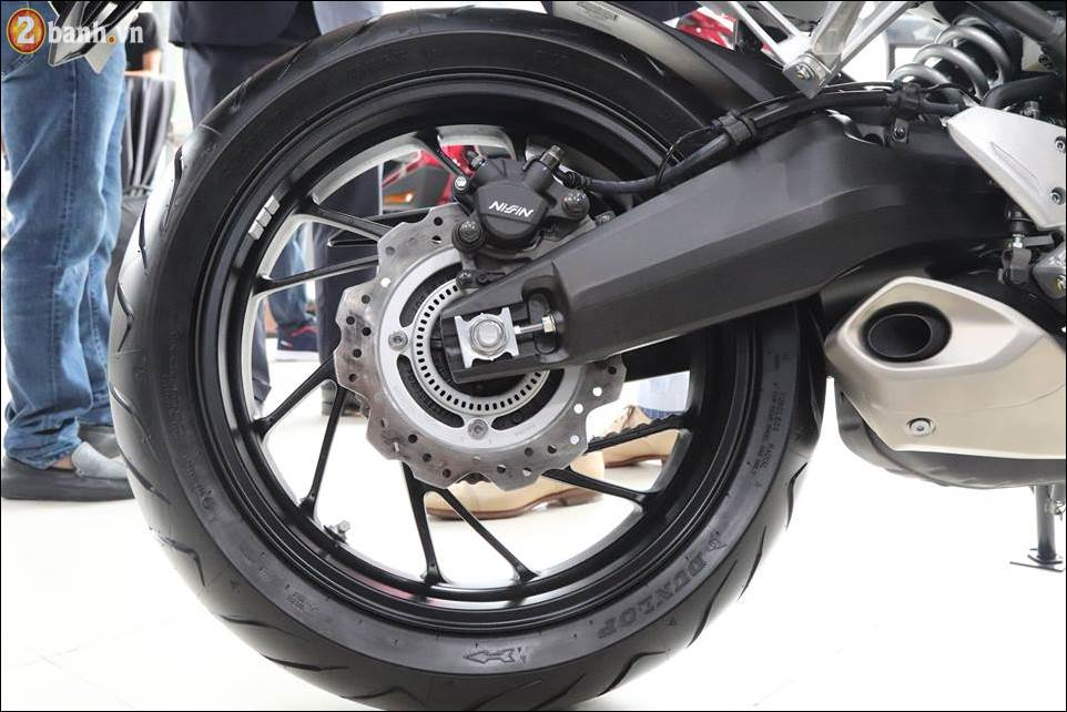Honda CB650F 2018 co gia 2259 trieu VND ra mat tai Showroom Honda Moto Viet Nam - 13
