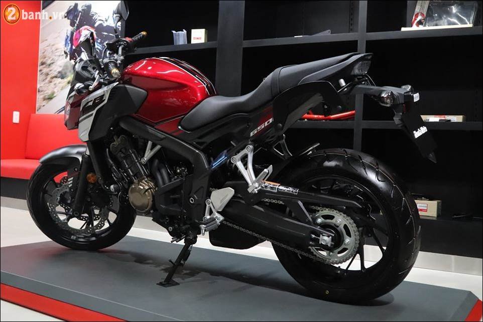 Honda CB650F 2018 co gia 2259 trieu VND ra mat tai Showroom Honda Moto Viet Nam - 15