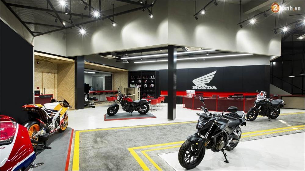 Honda VN ra mat 9 mau xe mo to tai su kien khai truong showroom Honda Moto - 2