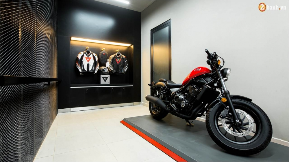 Honda VN ra mat 9 mau xe mo to tai su kien khai truong showroom Honda Moto - 11