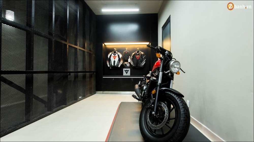 Honda VN ra mat 9 mau xe mo to tai su kien khai truong showroom Honda Moto - 12