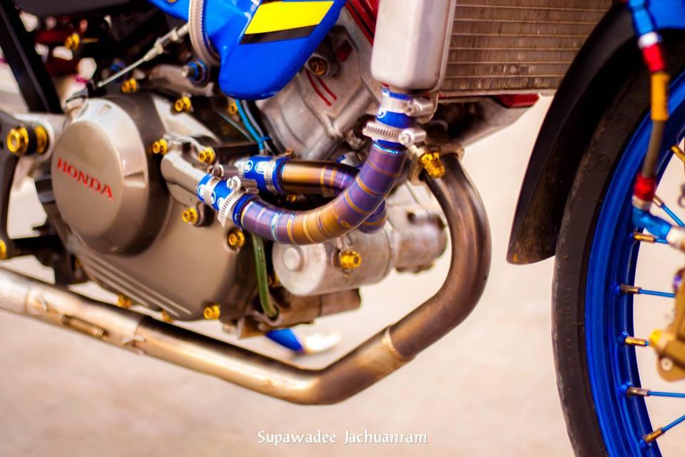 Huyen thoai Sonic 125 do mang ve dep doc dao cua biker Thai - 8
