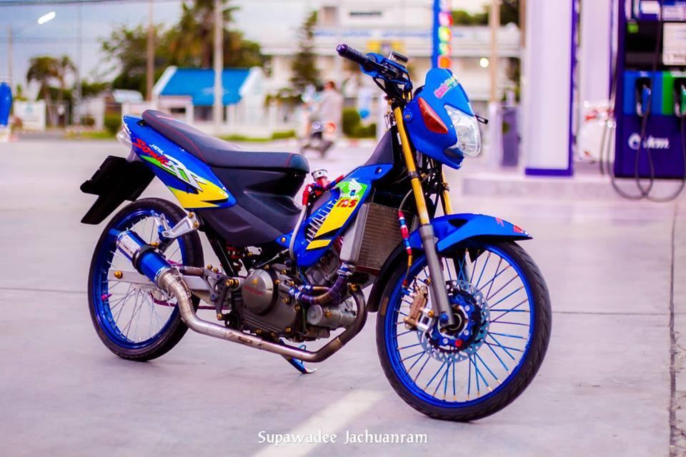 Huyen thoai Sonic 125 do mang ve dep doc dao cua biker Thai - 10