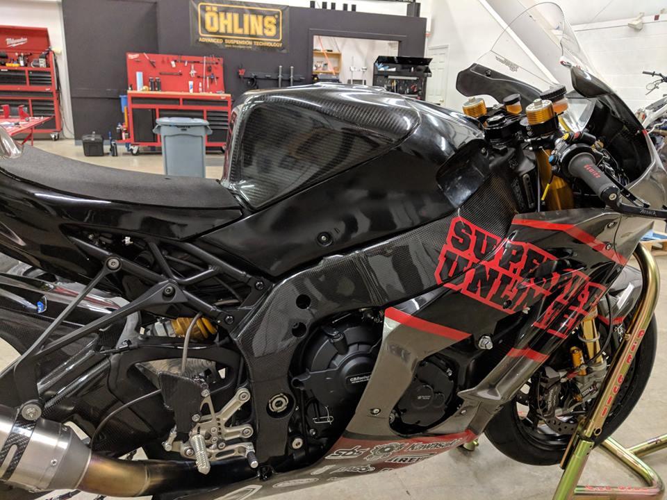 Kawasaki ZX10RR dep ngat ngay voi cau hinh duong dua - 3