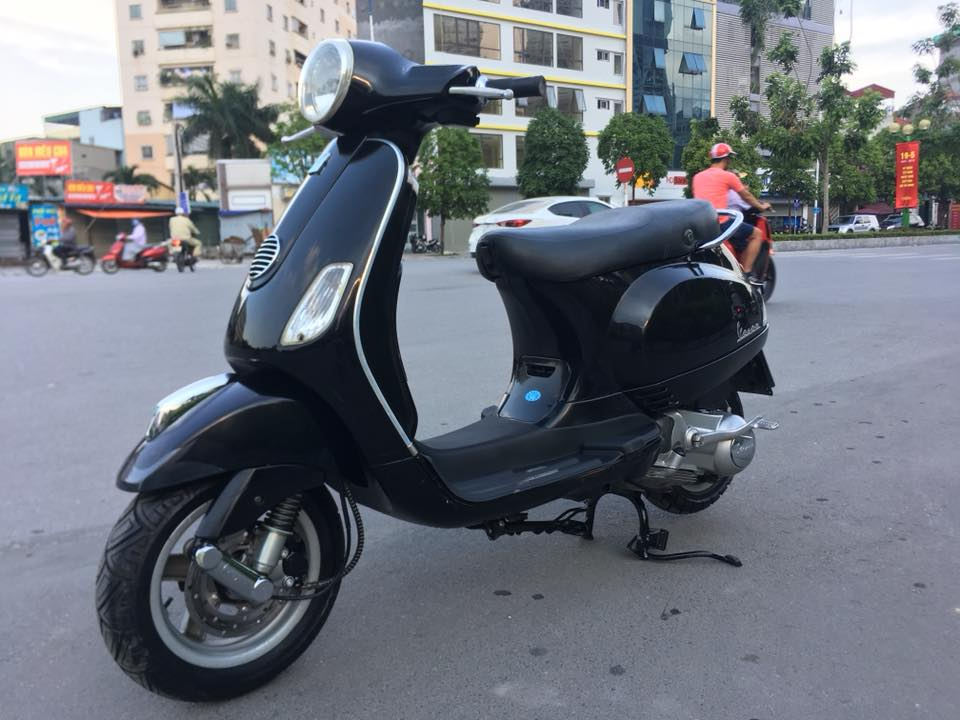 Piaggio vespa lx viet nam 125cc mau den bien HN - 4
