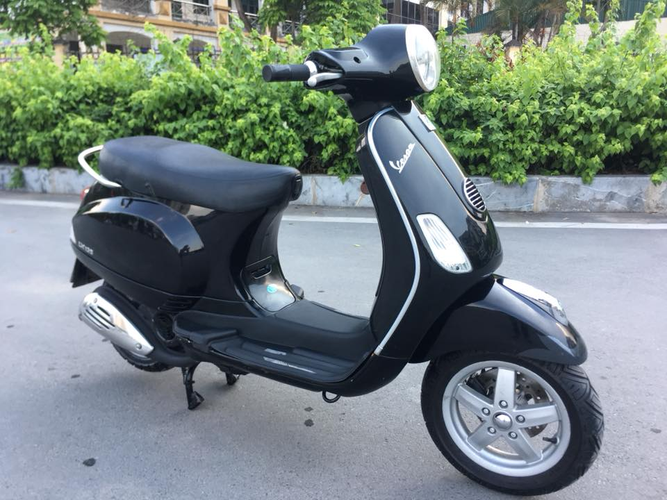 Piaggio vespa lx viet nam 125cc mau den bien HN - 6
