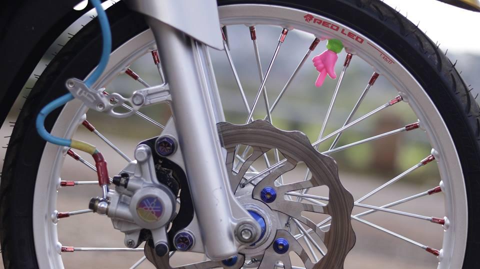 Sirius 50 do kieng hai hoa cua chang Biker Viet - 5