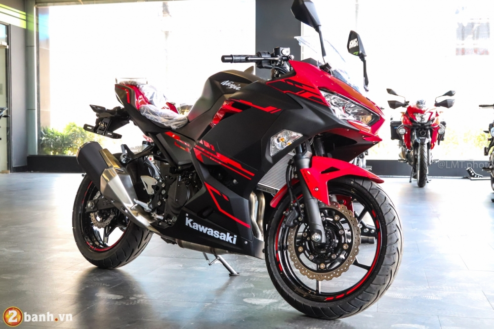 So sanh giua Kawasaki Ninja 250 2018 va Ninja 300 - 16