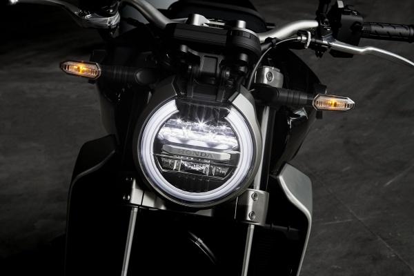 So sanh Honda CB1000R 2018 va Yamaha MT10 - 3