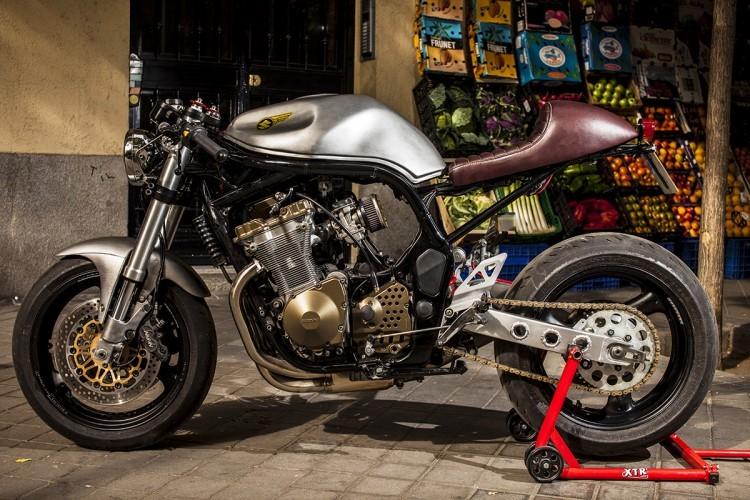 Suzuki Bandit 600S ban do Cafe Racer tu XTR - 3