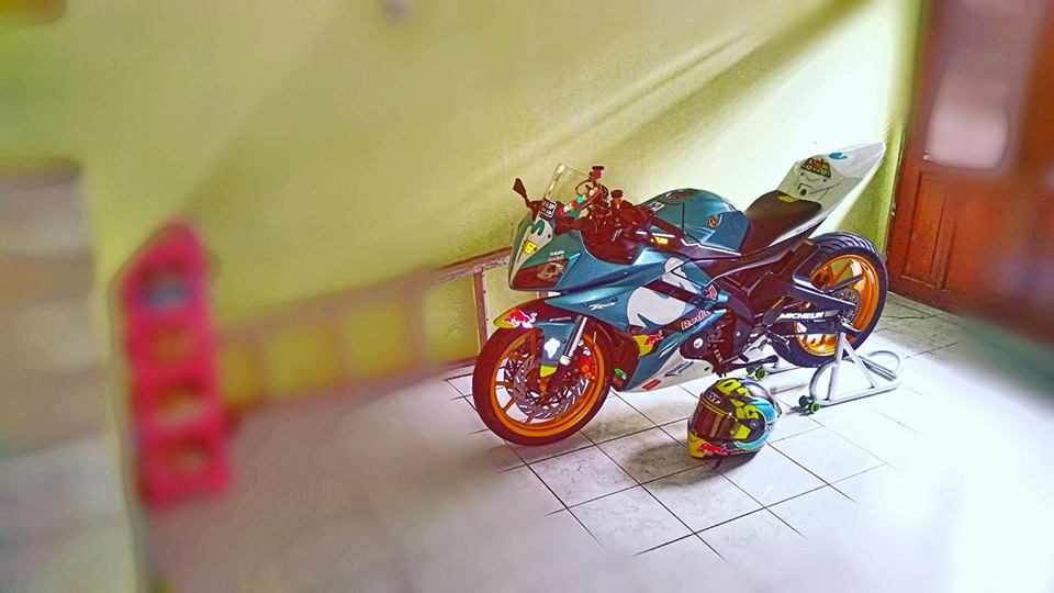 Yamaha R15 do con quai thu ham ho ngu quen cua biker Indo - 6