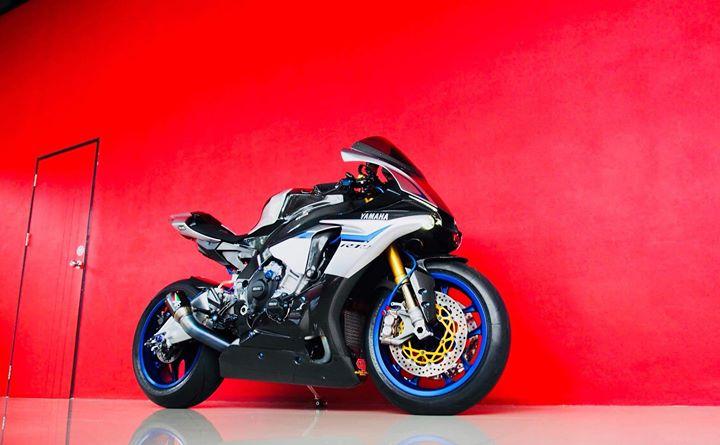 Yamaha R1M nang cap hoan thien voi phu kien Carbon fiber - 3