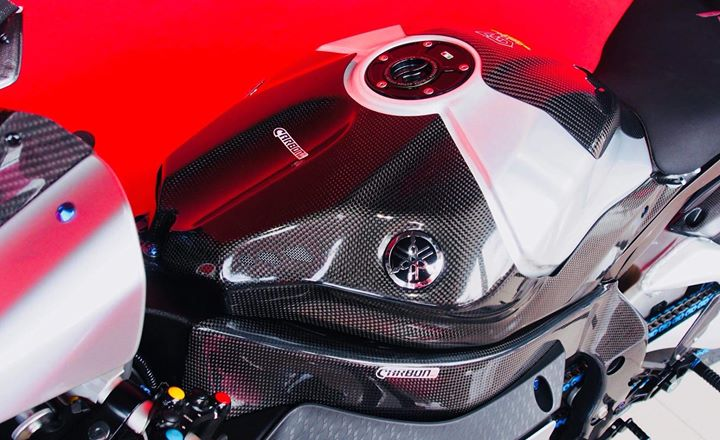 Yamaha R1M nang cap hoan thien voi phu kien Carbon fiber - 7