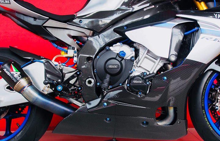 Yamaha R1M nang cap hoan thien voi phu kien Carbon fiber - 11