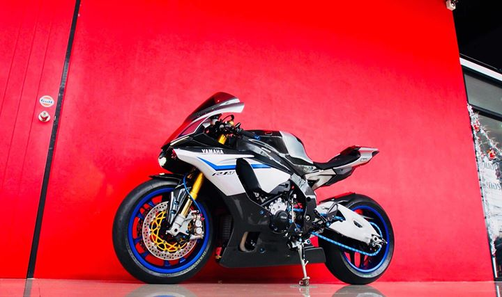 Yamaha R1M nang cap hoan thien voi phu kien Carbon fiber - 17